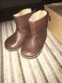 Zara brown leather boots. Infant size 3 (eu 19)