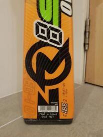 Rossignol 165cm carving skis with bindings. £60
