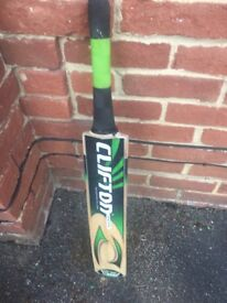 Willow Cricket bat size 4