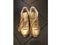 Reebok classic gold trainers size 6