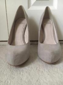 Faith platform heels size 5