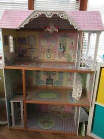 Kids kraft dolls house