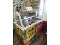 Scoop ice cream freezer