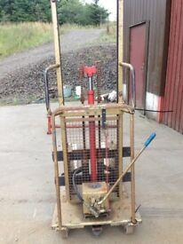 Sabre Enginerring Hand operated forklift 500kg