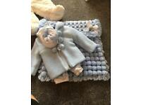 Baby set and blanket
