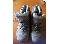 Regatta Grey/Purple Hiking Boots.
