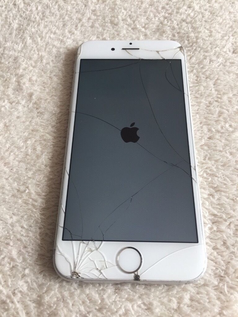 Apple IPhone 6 16GB Cracked Screen Silver Vodafone