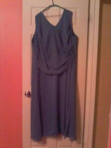 plus size maid of honour gown London Ontario image 1