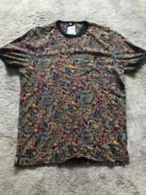 Patterned large t-shirt