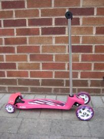 Girls Avigo 4 Wheel Scooter Pink / Purple - Rear Brake - Used Twice - RRP £50