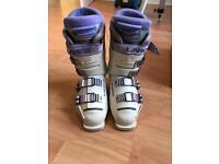 Women's ski boots size 6