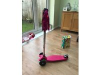Micro scooter Age 3 - 12. 3 wheeler nearly new