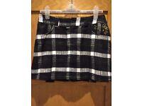 ~~## Hello Kitty Black/White Mini Skirt: 80cm waist ##~~