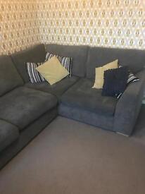 Corner couch 3&2 gray