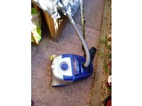 Vacuum cleaner; Electrolux ZT7740 Twin Tech Parketto Bagless Cylinder Vacuum Cleaner