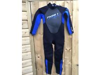 Child's O'Neill quality wetsuit with boots (suit 5/6 year old)
