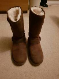 Genuine UGG boots size 5/5.5