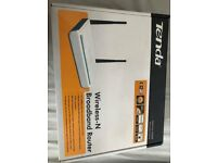 Tenda router *BRAND NEW AND BOXED*