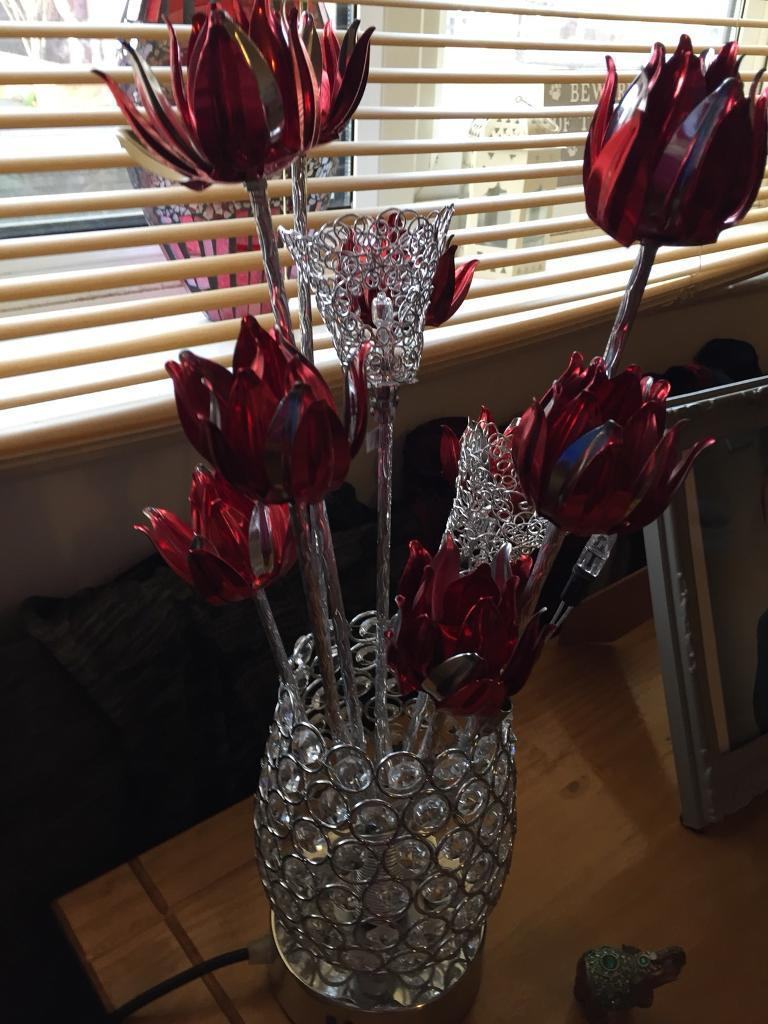 Stunning table lamp with red and silver flowers