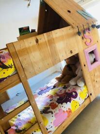 Custom bunk bed / house kids