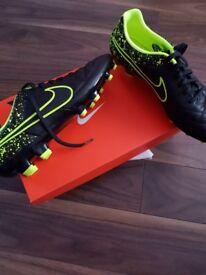 Nike Tiempo Genio Football trainers size 9