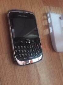 Blackberry ( 9300 ) Unlocked with charger