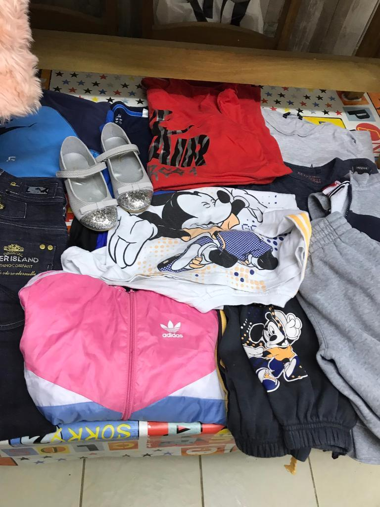 Job lot of cloths and trainers jeans kids adultsin Smiths Wood, West MidlandsGumtree - Mixed size job lot of clothes good for your self or do a car boot earn morn than you buy these for next jeans all in v good condition Nike track suits play wear Nike adidas trainers looking for £35 the lot Ono