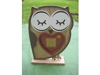 Wooden Owl Picture Frame for £2.00