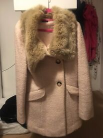 women's coat with a faux fur collar