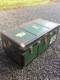 Large vintage steamer chest trunk toy box coffee table with rare internal tray