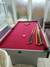6ft pool table table with cue and balls