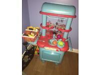 Kids kitchen set and till