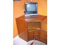 NATHAN Vintage TV/Video Corner Unit