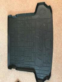 Hyundai Tucson boot liner and rubber foot matts