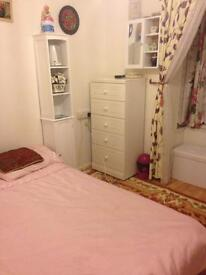 One bed flat to rent near Castle Point.