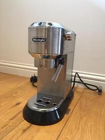EC680 DēLonghi Coffee Maker with accessories HARDLY USED