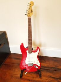 Squire Stratt - Candy Apple Red - Good Condition