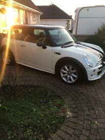 Mini Cooper (John Cooper Works Sound and Body kit)
