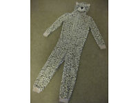 FABULOUS SNOW LEOPARD ONESIE - IMMACULATE CONDITION Age 8-9 - warm & cuddly BARGAIN PRICE!