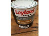 Leyland Alkali resisting wall primer, white 2.5L