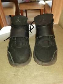 Jordan Eclipse size 4