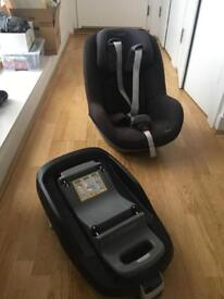 Maxi Cosi pearl chid car seat + family fix base = excellent condition!