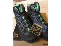 Salomon ladies walking/hiking boots, brand new in box, size 6