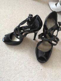 Ladies Carvella shoes