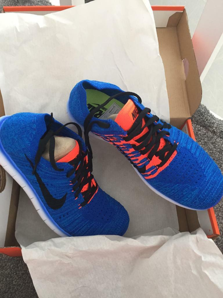 official photos d9ae3 a7998 Blue crimson ombré Nike free run fly knit size 5.5 brand new in box