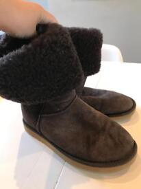 Long brown ugg boots barely worn