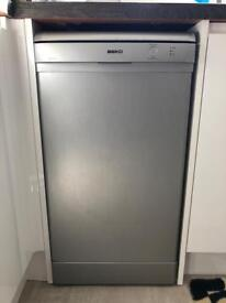 BEKO Slimline Dishwasher DSFS1531 in Silver - fixer upper!
