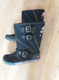 Ladies Rocket dog boots size 6 as new condition