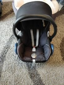 Maxi-cosi cabrio fix car seat