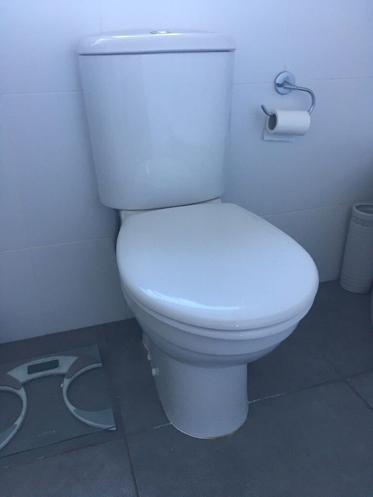 Bathroom Suite & En-suite. Toilets, Sinks and Corner Bath complete ...
